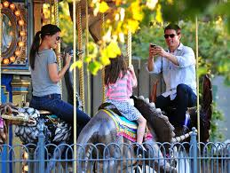 suri and tom cruise at schenley plaza in pittsburgh