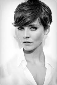 pixie hair for strong faces 21 easy hairdos for short hair popular haircuts