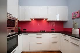 cuisine mur framboise deco cuisine couleur framboise inspiration sur l intérieur et