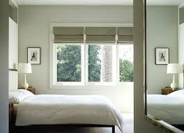 schlafzimmer verdunkeln verdunkelung fur dreiecksfenster sonderform plissee im einsatz