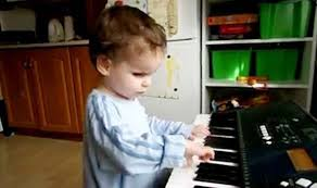 Blind Pianist Blind Toddler Plays Mozart And Bach Without Any Piano Lessons