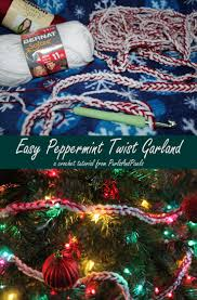 easy diy peppermint twist crochet garland