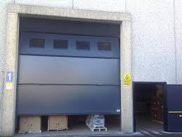 porte per capannoni porte ad alzata verticale industriali a brescia trento e bolzano