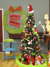 Grinch Office Decorations by 246 Best Who Ville Christmas Images On Pinterest Sew Christmas