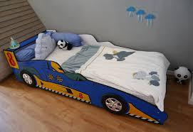 chambre voiture un lit voiture de course passage au lit de grand maman et