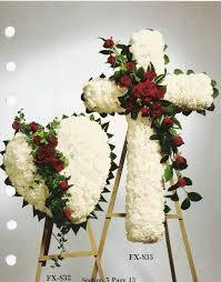 floral arrangements for funeral the 25 best funeral flower arrangements ideas on
