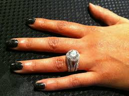10 karat diamond ring lozada gets 10 carat engagement ring from chad ochocinco