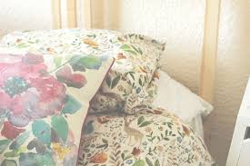 creating a theme for your bedroom abigail kemples