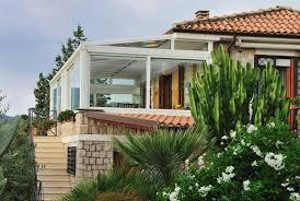 veranda chiusa tettoie pergole pensiline verande e tende cosa occorre sapere