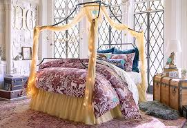 Pottery Barn College Bedding There U0027s A New Harry Potter Home Decor Collection And You U0027re Going