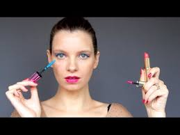 ad l oreal makeup peion the brush