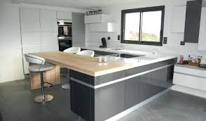 cuisine moderne avec ilot cuisine moderne ilot central cuisine grise acrylique brieuc