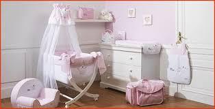 peinture chambre bébé fille décoration chambre bébé fille unique fly lit bebe avec peinture