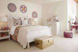 shabby chic bedrooms ideas jet black floor pure white furry rug