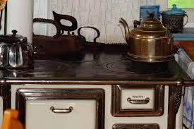 cuisine poele a bois images gratuites table bois antique vieux cuisine cheminée