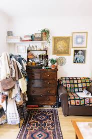 sara thomas u2013 blogger and vintage seller at home in london the selby