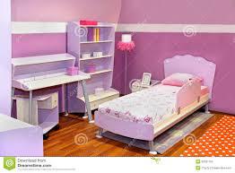 chambre à coucher fille chambre à coucher lilas de fille photo stock image du pièce