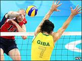 Brasil fica com prata após derrota no vôlei masculino