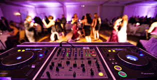 how much does a wedding dj cost metro medley dj - How Much Do Wedding Djs Cost