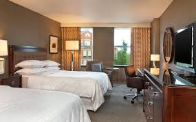 sheraton portsmouth harborside hotel traditional guest rooms