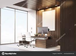 bureau du directeur bureau du directeur général avec bois et fenêtres côté