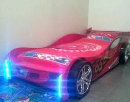 chambre enfant occasion lit garcon voiture aux petits pilotes en herbe voici la chambre