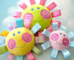 embroidery design for machine embroidery happy face toy in the