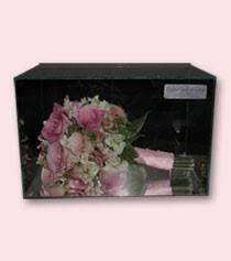 preserving wedding bouquet bridal bouquet preservation preserve wedding bouquet suspended