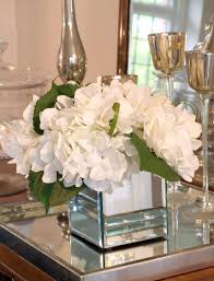 small square vases love white flowers in mirrored vases for the home pinterest