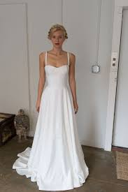 simple wedding dresses best 25 classic wedding dress ideas on simple