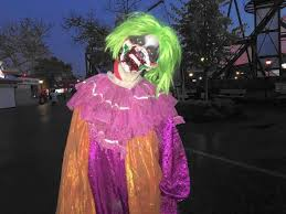 Six Flags Fear Fest Pushing The Envelope U0027 Great America Extends Fright Fest Plans