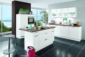 cuisine mega mobel des meubles de cuisine à la fois pratiques et confortables
