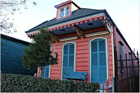 new orleans colorful houses new orleans neighborhoods of the french quarter marigny and