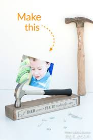 fathersday gifts 1465308641 diy fathers day gift hammer photo stand make this gifts