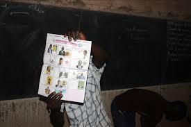 heure de fermeture des bureaux de vote burkina place au dépouillement après des élections apaisées