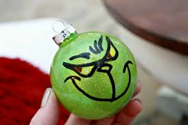 painted grinch ornament day 11 of 12 days of ornaments