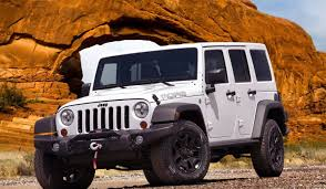 jeep 2014 white 2013 jeep wrangler unlimited moab white driving in line