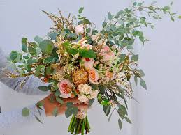 how to make flower arrangements how to make your own flower arrangements at these classes in l a