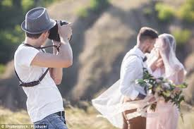 photographer for wedding 10 worst things do at a wedding ohofeed viral stories