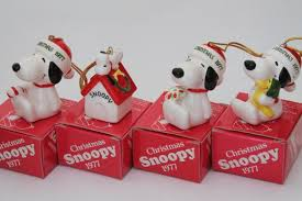 70s vintage snoopy peanuts ornaments set in original
