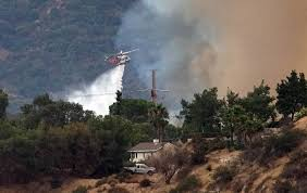 Bc Wildfire Highway Closures by Fast Moving Wildfire Destroys 5 000 Acres Homes Evacuated In L A