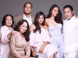 Family Portrait Look Gloria Diaz Includes Yaya In Family Portrait Showbiz News