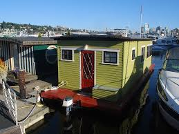 seattle short term tiny houseboat rentals for testing out a life
