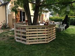 Palet Patio Recycled Pallet Patio Bar Plans Recycled Things