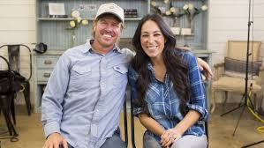 chip joanna gaines joanna gaines addresses rumor that she s leaving fixer upper