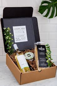 summer gift basket corporate gifts ideas viaonehope endless summer gift box