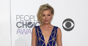 portias hair line portia de rossi s people s choice awards jumpsuit steals the red