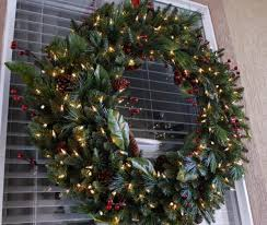 large outdoor lighted wreaths decore