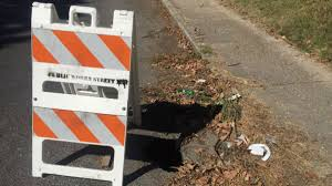 growing sinkhole swallows 2 houses 1 boat in florida wreg com