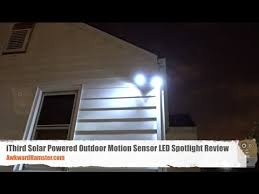 solar powered motion sensor outdoor light reviews ithird solar powered outdoor motion sensor led spotlight review